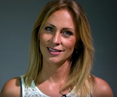 След тежка химиотерапия телевизионната водеща Нана се върна от Израел